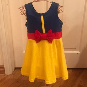 Other - Brand new little girls Snow White dress! 🍎👸